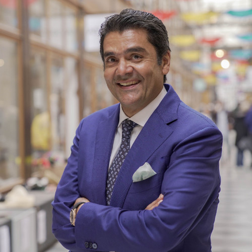 Michel Reza Pacha, un homme d'affaires au parcours atypique